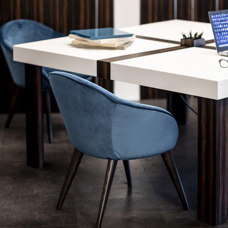 Scopri il mondo business di Bressano mobili