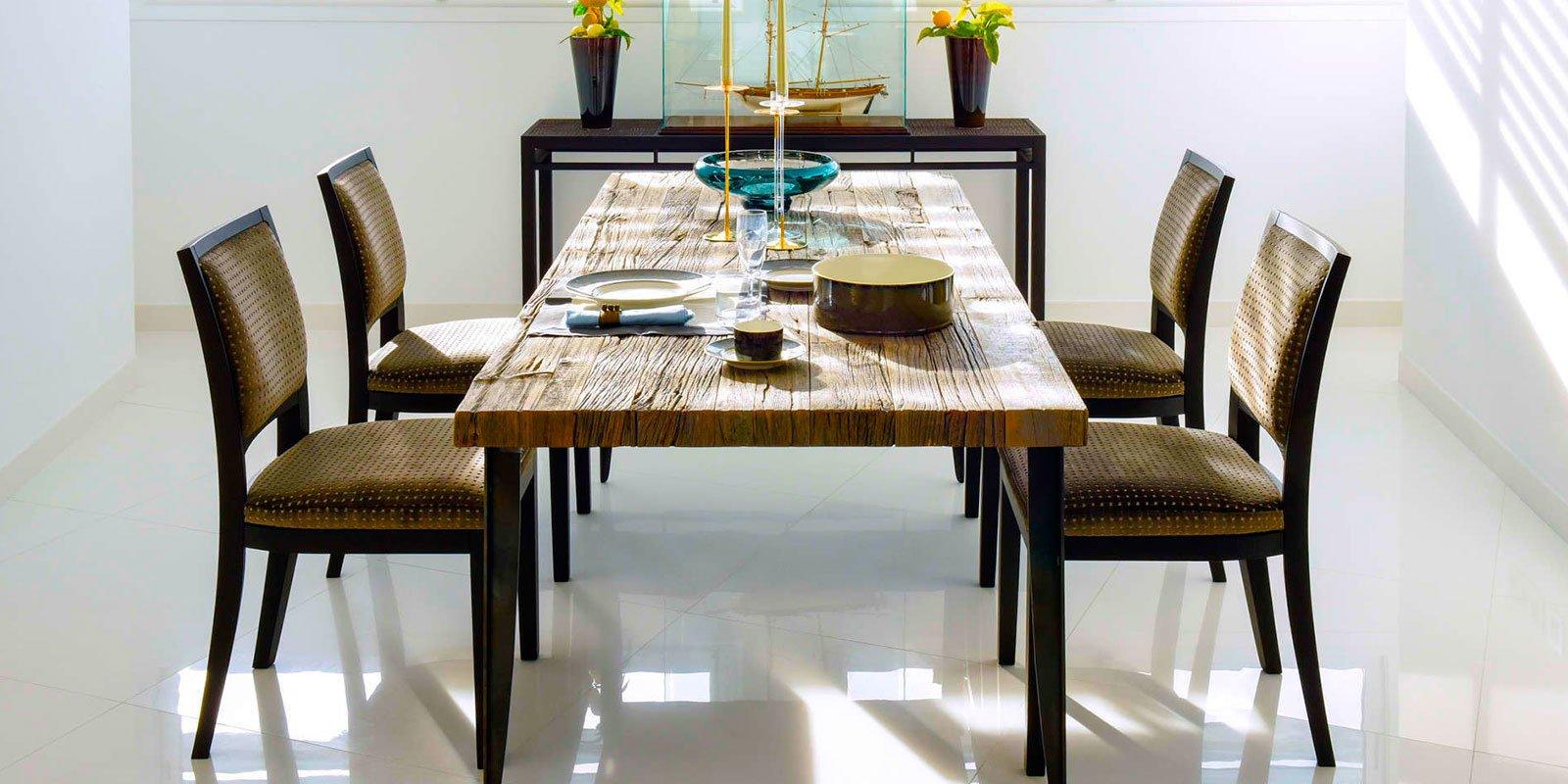 Tavolo realizzato da Bressano Mobili di Villanova Mondovì